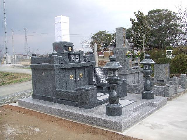 建立例 墓石03