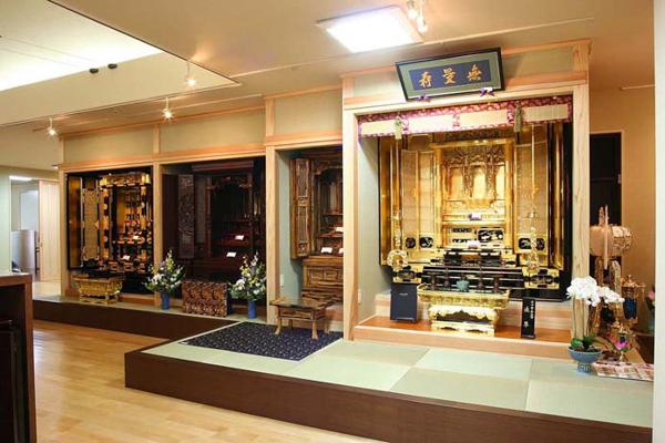厳選した仏壇の展示