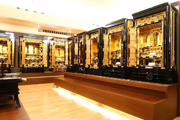 金仏壇・唐木仏壇の展示