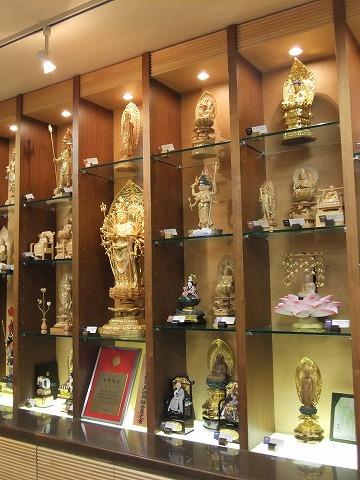 仏像展示の様子